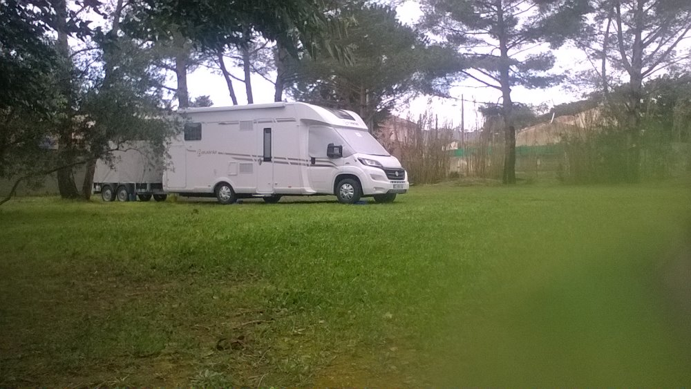 Aire camping-car à Seyne-sur-Mer (83500) - Photo 1
